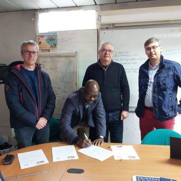 Amedischool et Electriciens du Monde signe un accord de coopération et de partenariat